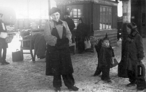 1945_Flucht_Gertrud_Gila_Ebi_Felix_k