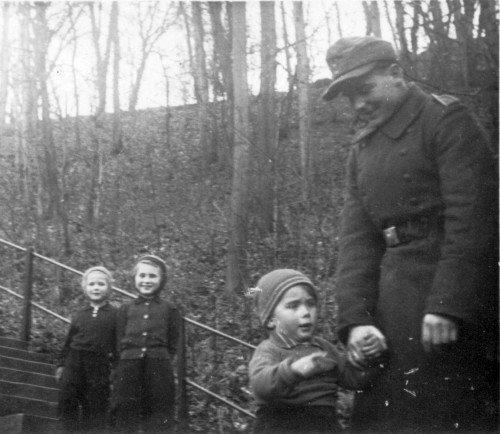 1945_Januar_Gisela_Fe_Ebi_Martin_Zareba